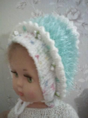 Описание: Детские вязаные шапочки и шарфики, к.
